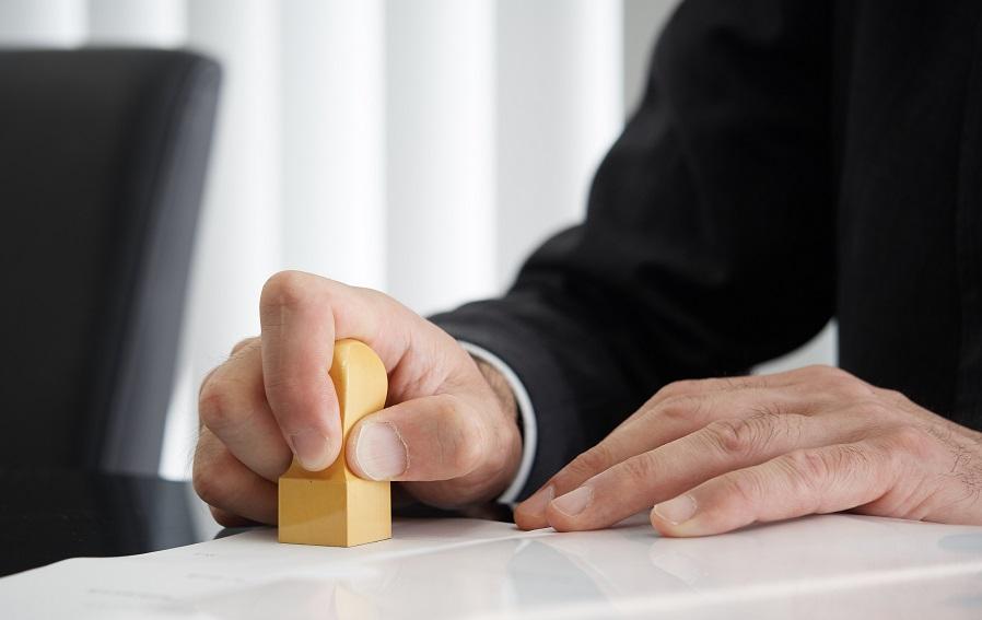 書面契約と電子契約の違いは?